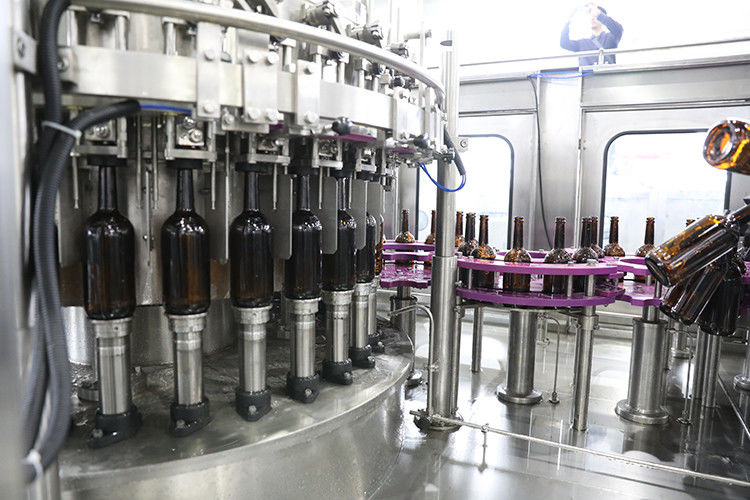 Wine Bottling Beer Filling Machine , Glass Bottle Filling Line High Production Speed